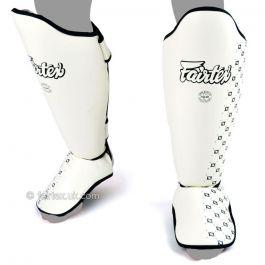 Muay Thai Shin Pads von Fairtex - Weiß